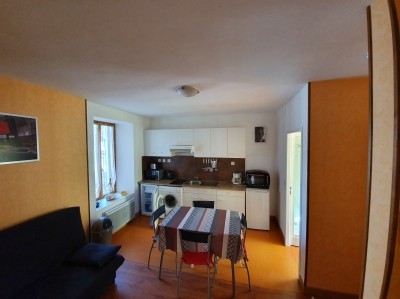 Photo A PLOMBIERES, APPARTEMENT T2 AU 1ER ETAGE A 300 M DES THERMES